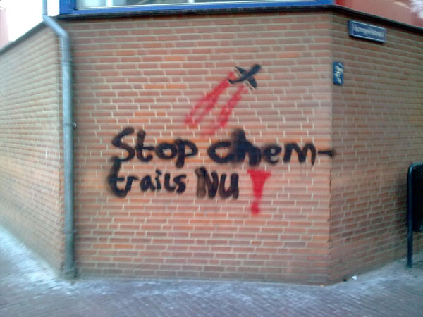 Anti-chemtrail graffiti in Amersfoort